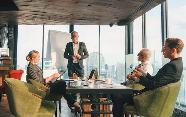 Senior board members discuss the adoption of multi-cloud utilising VMware Cloud Foundation